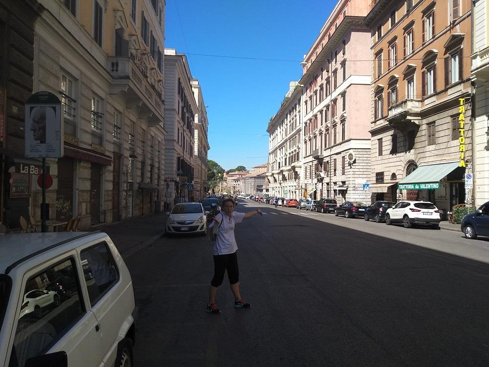 Una coppia romana in visita a Roma